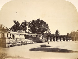 The Raja of Mysore's bathing ghat on the River Puckshewan, a branch of the Cauvery at Shrirangapattana.